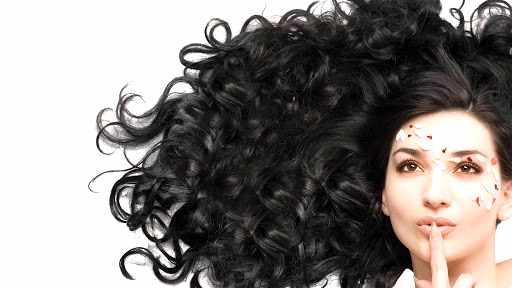 Huile de coco sur cheveux :