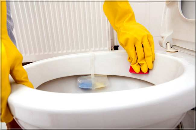 Blanchir le fond des toilettes facilement et naturellement?